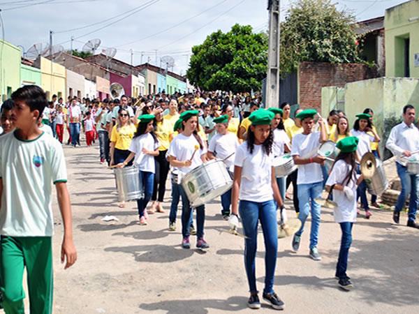 Caminhada encerra programação do Setembro Amarelo, em Santana do Cariri